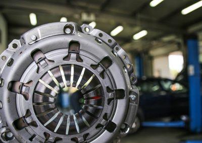 Ha úgy érzi, itt az ideje a kuplungcserének, várjuk Önt a Medic-Car Autószervízben.