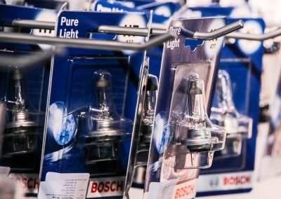 Bosch Plus 90 fényszóró izzó akció a Medic-Car Autószervízben Dunakeszin